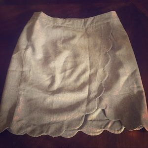 Scalloped mini skirt with lining